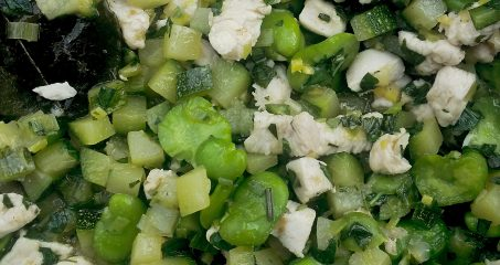Sauté de poulet aux fèves & courgettes